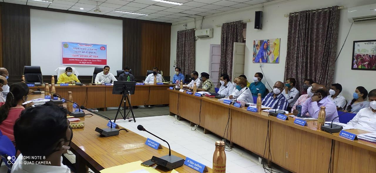 Jhabua News-  जिला विकास समन्वय एवं मूल्यांकन समिति की बैठक सम्पन्न