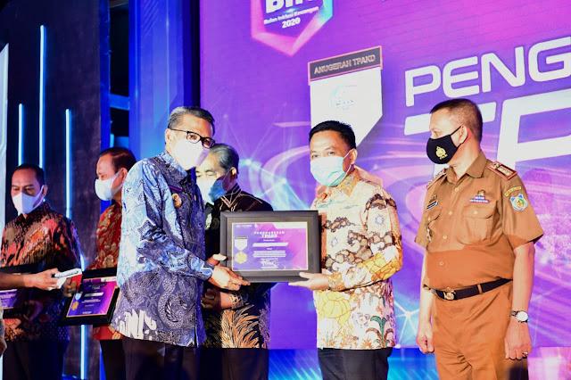 Asuransi Pertanian Bantaeng Raih Penghargaan dari OJK