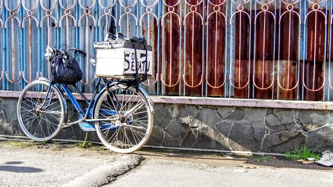 Sepedanya Mang Sol Sepatu Nyender