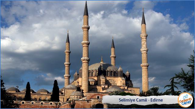 Selimiye-Camii-Avlusu