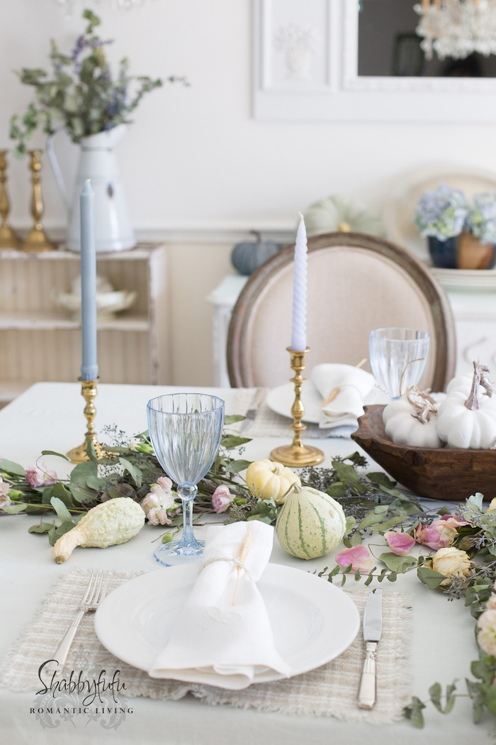 How To Style An Elegant Table Setting With Pastels ...