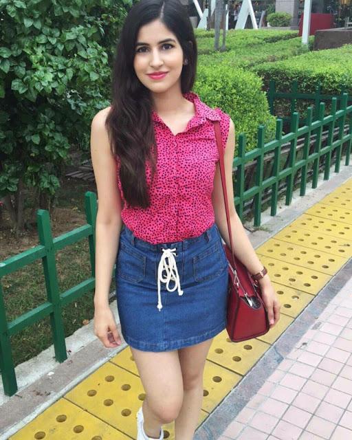 indian-instagram-girl-gorgeous-look