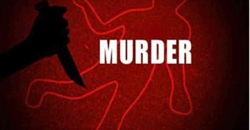 पत्नी के मोबाइल पर फोन क्या आया, उसने गुस्से में छत से फेंककर पत्नी को मार डाला