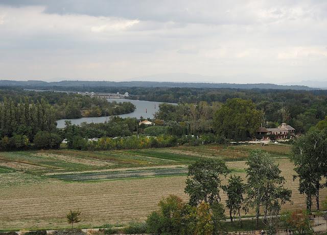 Авиньон, река Рона (Avignon, Rhone River)