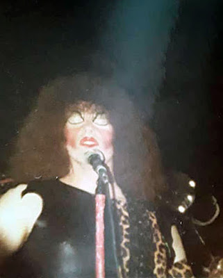 Twister Sister on stage at The Final Exam 1981. Great photo's taken by Linda Albertson... thanx for sharing Linda!!!