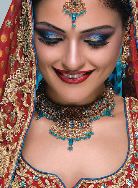 Beautiful Indian Girls: Most Beautiful Indian Brides Pics-in Gorgeous Dresses The