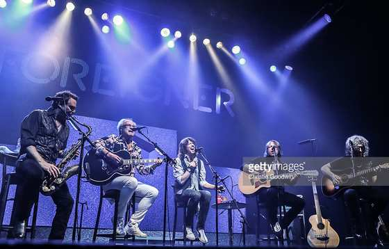 FOREIGNER - In Concert ; Unplugged (2016) inside