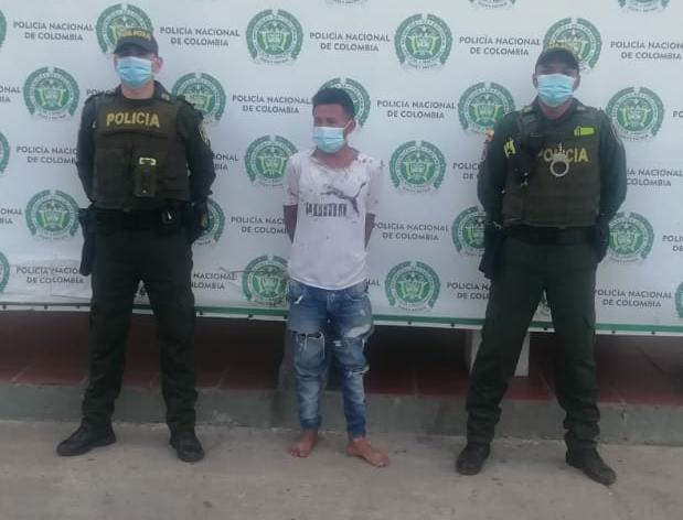 https://www.notasrosas.com/Policía Nacional captura ciudadano en Maicao, por Violencia Intrafamiliar