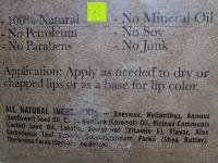 Verpackung Info: LIPPENPFLEGESTIFT Pfefferminze (4-er Packung) - Lippenpflege mit Kokosnussöl und Vitamin E die trockene Lippen repariert und Feuchtigkeit verleiht. 100% aus natürlichem Bienenwachs Lippenbalsam. Hergestellt in USA von Beauty by Earth