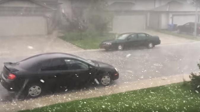 penyebab hujan es