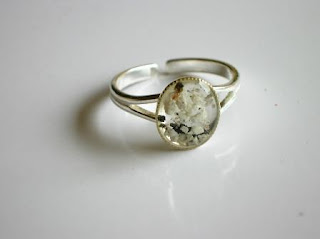 Sterling silver memorial ring for ashes