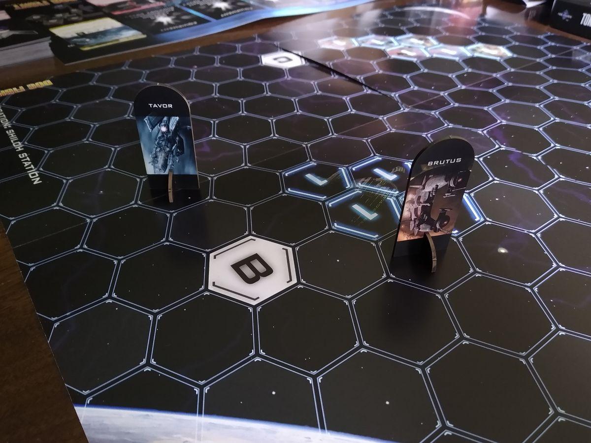 Dog Fight: Starship Edition Tavor vs Brutus Magnus