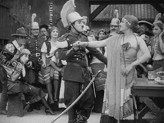 "Кадр из фильма Чарли Чаплина ""Пародия на Кармен"" / Burlesque on Carmen (1916) - 7"
