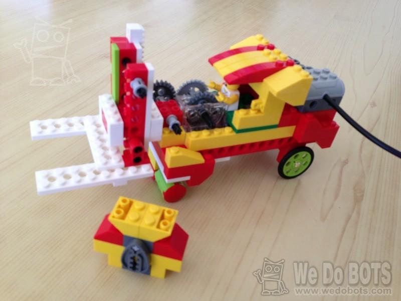 wedobots: LEGO® WeDo designs for the busy teacher: Forklift