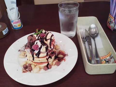 バースデーパンケーキ¥0-2 デニーズ名古屋東新町店