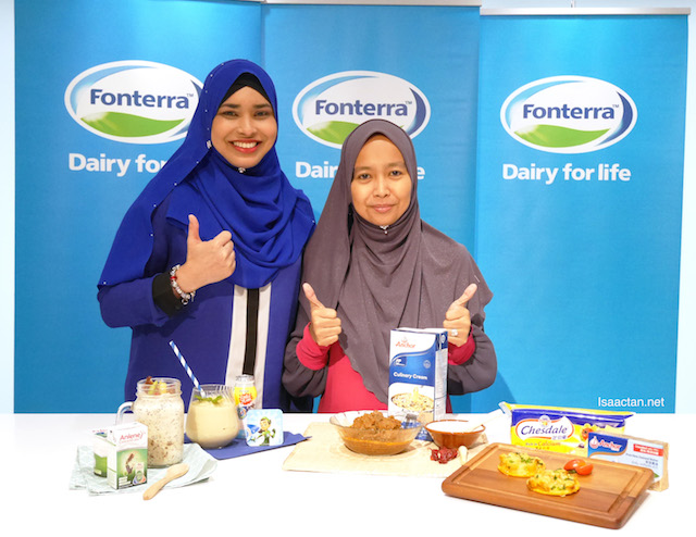 Puan Manisya Ismail, Cooperative Affairs Manager and Chairman of Halal Committee, Fonterra Brands Malaysia and Puan Nurul Aziah Musa, Consultant Dietician with their creation of sahoor and iftar recipes using dairy products by Fonterra Bands Malaysia.