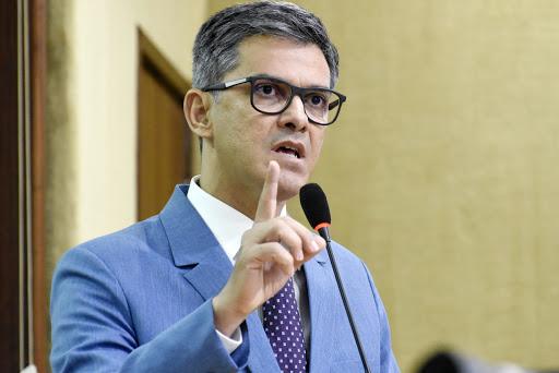 Cel Azevedo cobra de Fátima redução de cargos para evitar falência do Estado