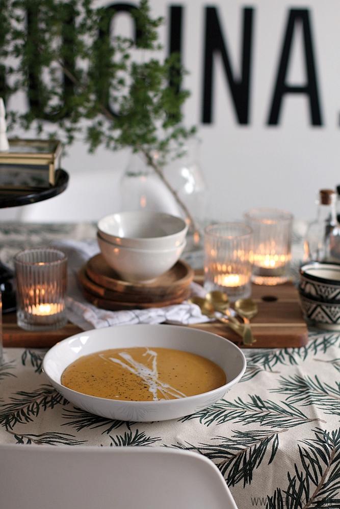Rote-Linsen-Kokos-Suppe mit Süßkartoffel vegan