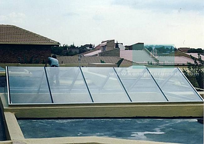 Atap Kaca Pelana