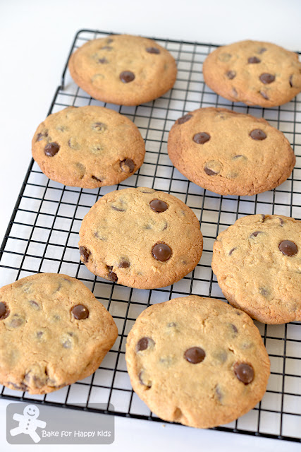 big giant extra large crispy chunky crunchy chocolate chip cookies