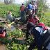 Babinsa Bersama Warga Bersihkan Enceng Gondok Di Sekitar Rawapening