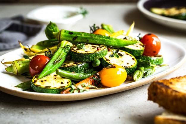 Μαριναρισμένα ψητά λαχανικά στην σχάρα
