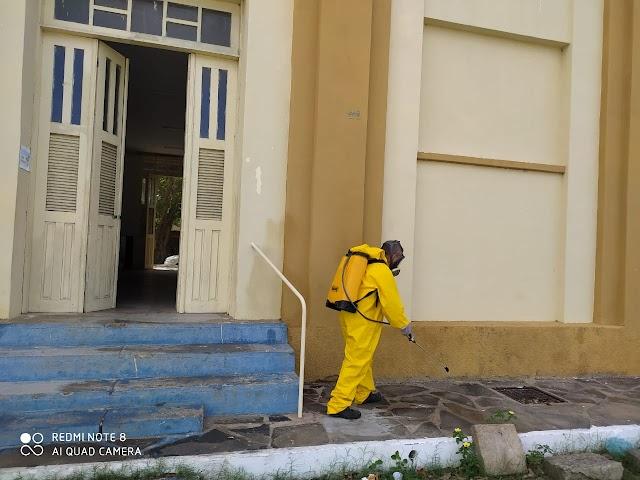 Prédio da Secretaria Municipal de Educação recebe serviço de sanitização contra Covid-19