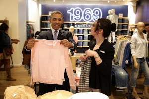 Shopping: What does Barack Obama merely with this pink sweater?