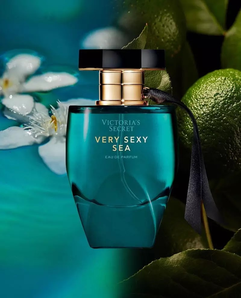 Victoria's Secret Very Sexy Sea perfume bottle