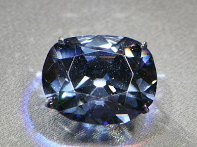 Sapphire đen
