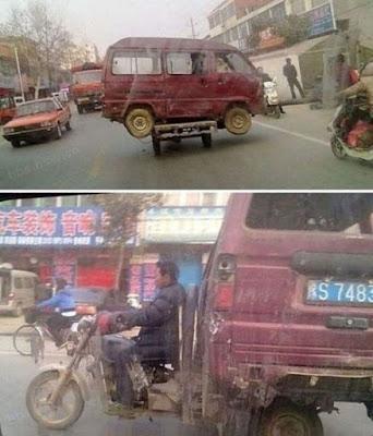 Un triporteur pour transporter une camionnette, pas mal !