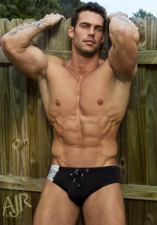 Hunks muscle