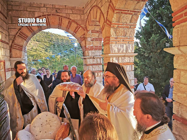 Γιόρτασαν στο Παναρίτη την ανάμνηση της συνάντησης του Αγίου Πέτρου με τον Άγιο Θεοδόσιο