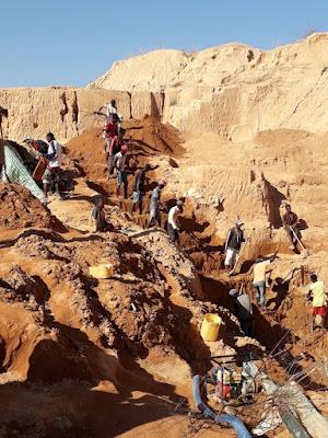 minas-de-zafiros-en-ilakaka-far-west-madagascar-con-enlacima