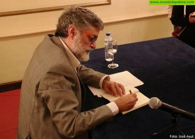 El escritor Anelio Rodríguez protagoniza un encuentro literario en Breña Alta