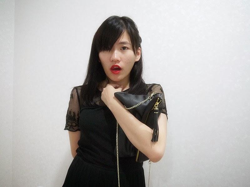 Pinch Of Addiction 19 Black Dress Red Lips