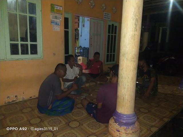 Tak Peduli Malam Hari Satgas Tmmd 110 Tetap Laksanakan Komsos Dengan Warga