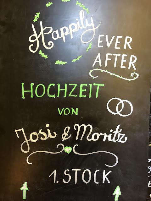 Kreidetafel, willkommen, kleine Hochzeit, Standesamt, 4Eck Restaurant, Garmisch-Partenkirchen, 4 weddings & events, Hochzeitsplanung Uschi Glas, heiraten in Garmisch
