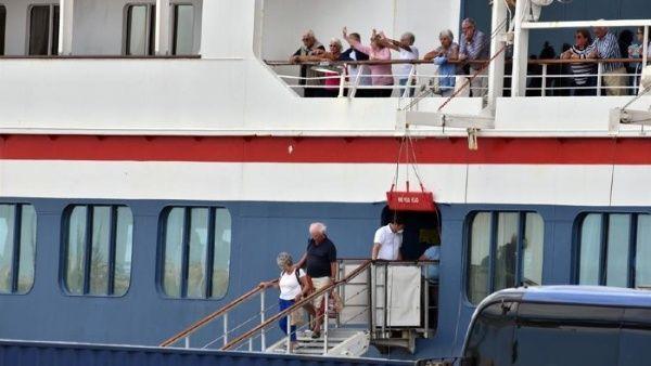 Gobierno británico apoya a Cuba y condena bloqueo de EE.UU.