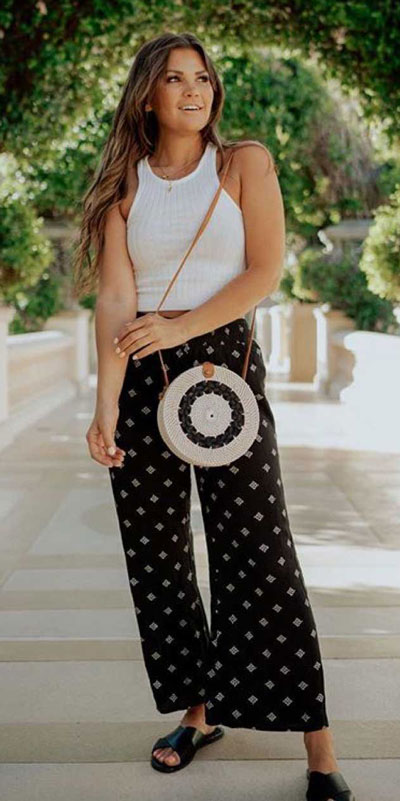 Comfy and casual style is perfect choice for summer season. It's time to share 26 Casual Summer Outfit Ideas You need this moment. Casual Outifts + Summer Style via higiggle.com   pants   #summeroutfits #casualoutfits #summer #casual