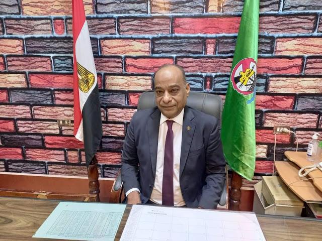 الدكتور أكرم حسن مدير لمديرية التربية والتعليم بالفيوم
