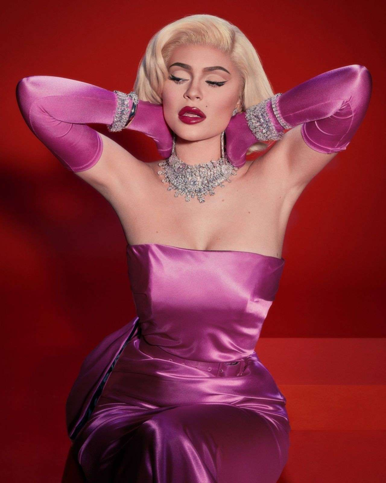 Kylie Jenner Marilyn Monroe Style Photoshoot