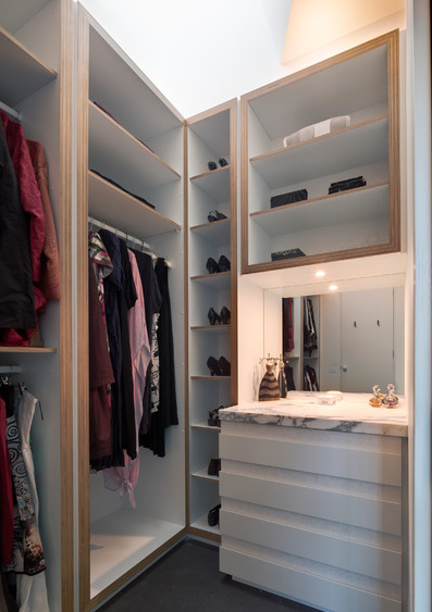 You're left with a lovely little shelf and a mirror for checking your outfit.