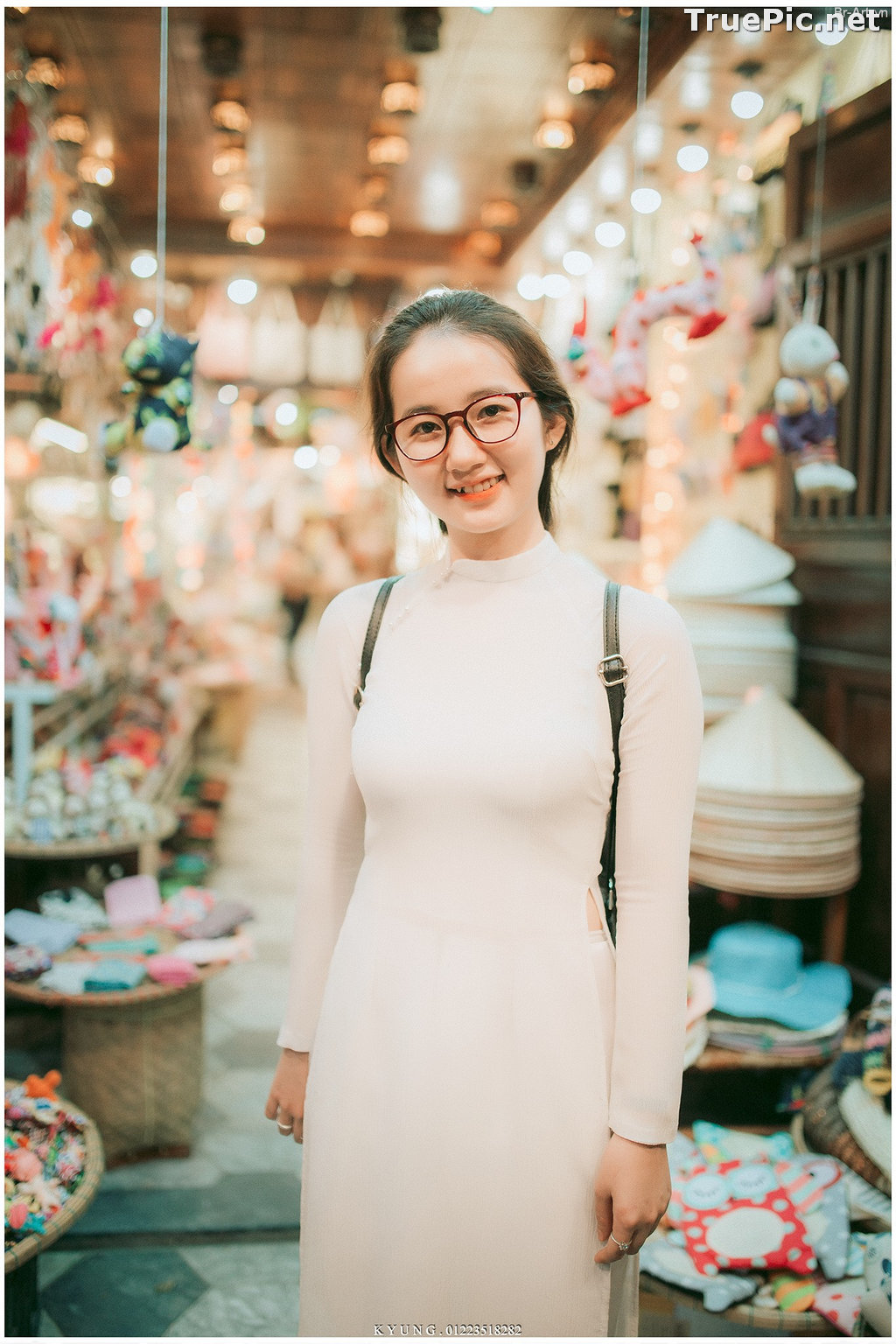 Image Vietnamese Cute Girl - Vo Xuan Chau - Ao Dai at Hoi An - TruePic.net - Picture-3