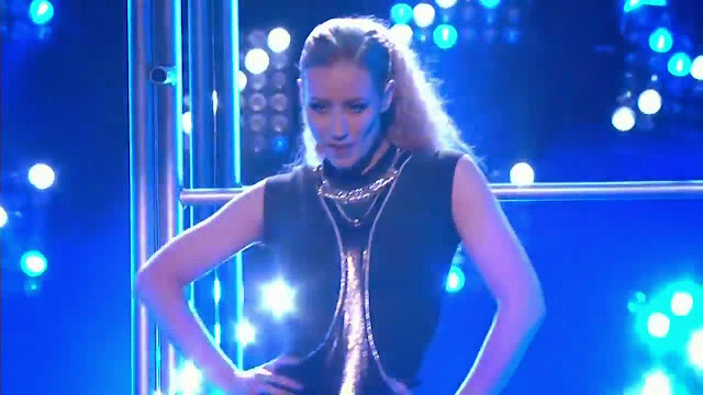 Iggy Azalea - Fancy_Beg For It (Medley) (2014 American Music Awards) ft. Charli XCX