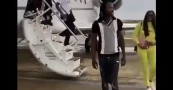 [BREAKING] COVID-19: FG Suspends Airline For Flying Naira Marley #Arewapublisize