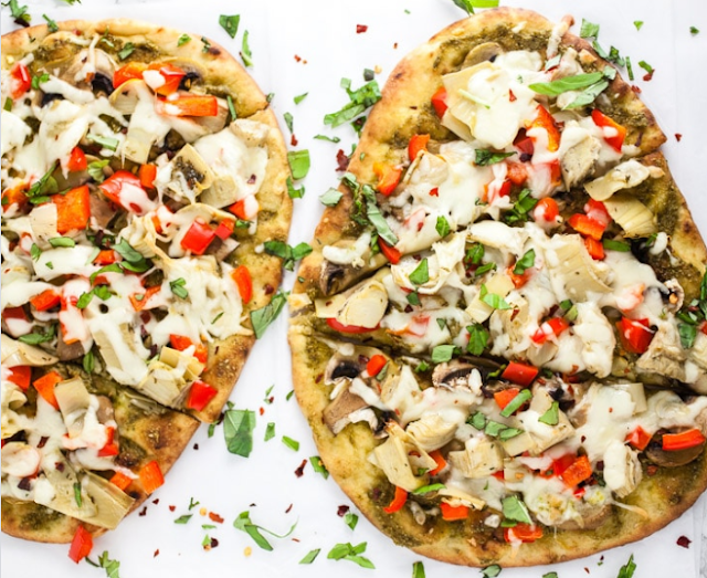 Mediterranean Veggie Naan Pizza #vegetarian #recipe