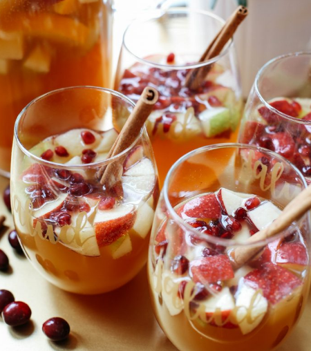 FALL HARVEST SANGRIA #drink #sangria #cocktail #party #summer
