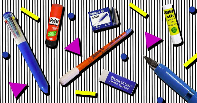 Composizione anni '80/'90 con penne e cancelleria vintage