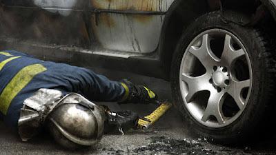 Άγνωστοι έβαλαν φωτιά στο αυτοκίνητο του διαιτητή- παρατηρητή της Super League Δημήτρη Κύρκου!!!